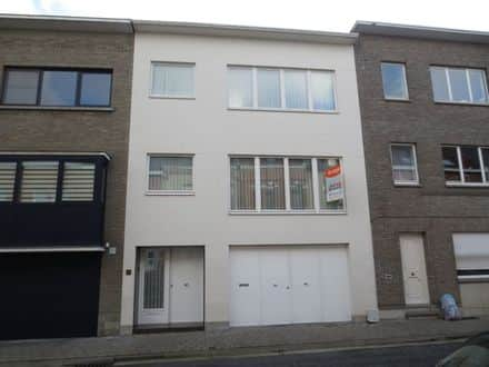 House<span>213</span>m² for rent Aalst