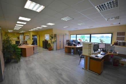 Office<span>220</span>m² for rent