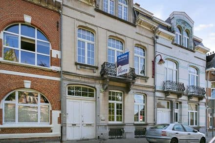 House<span>350</span>m² for rent Sint Agatha Berchem