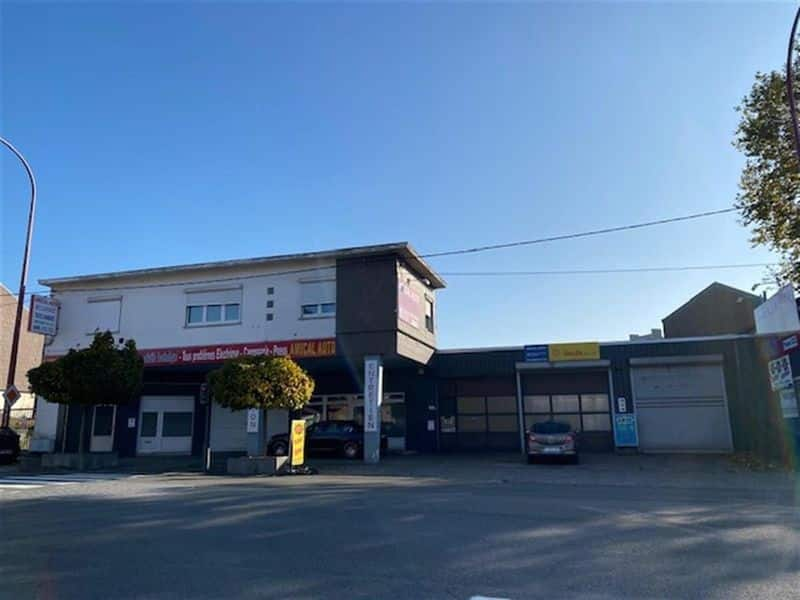 Industrial building for sale in Gilly
