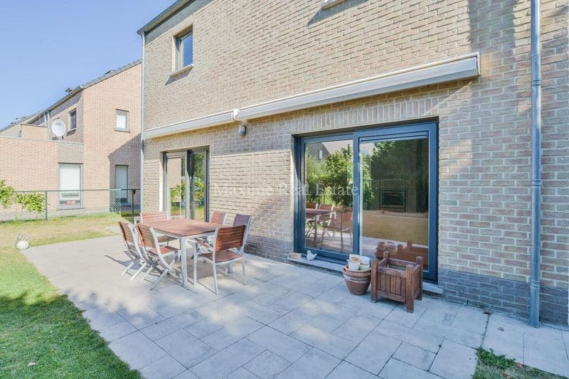 Villa for rent in Sterrebeek