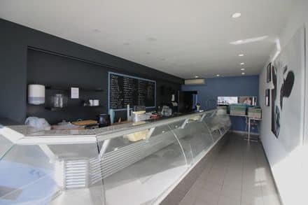 Business<span>250</span>m² for rent
