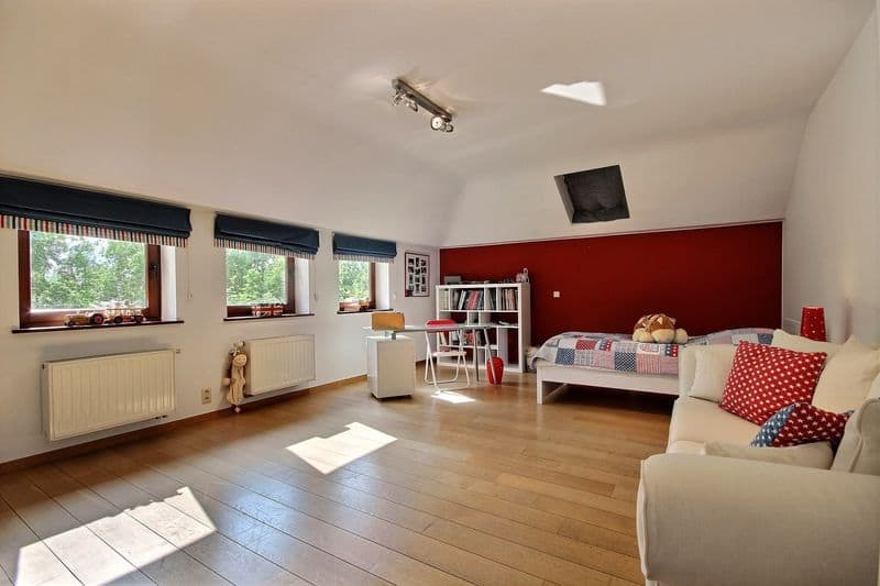 Villa for sale in Lillois Witterzee
