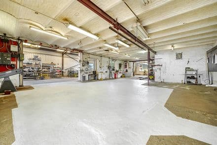 Industrial building for rent