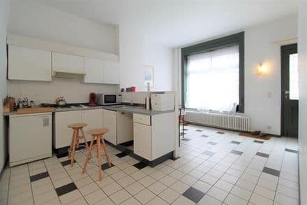 House<span>90</span>m² for rent Brussels