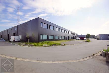 Industrial building<span>1586</span>m² for rent