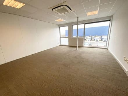Office or business<span>110</span>m² for rent La Louviere