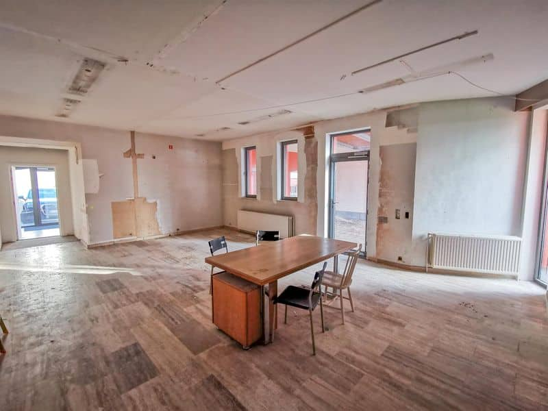 Office or business for sale in Mont Saint Guibert