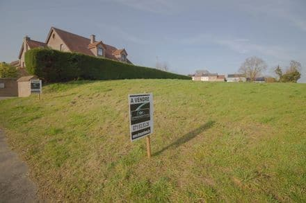 Land<span>821</span>m² for rent Trazegnies