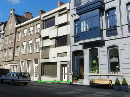 House<span>250</span>m² for rent