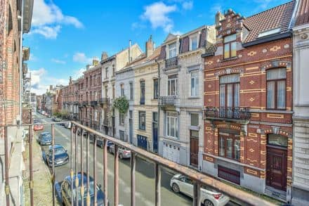 Investment property<span>200</span>m² for rent Schaarbeek