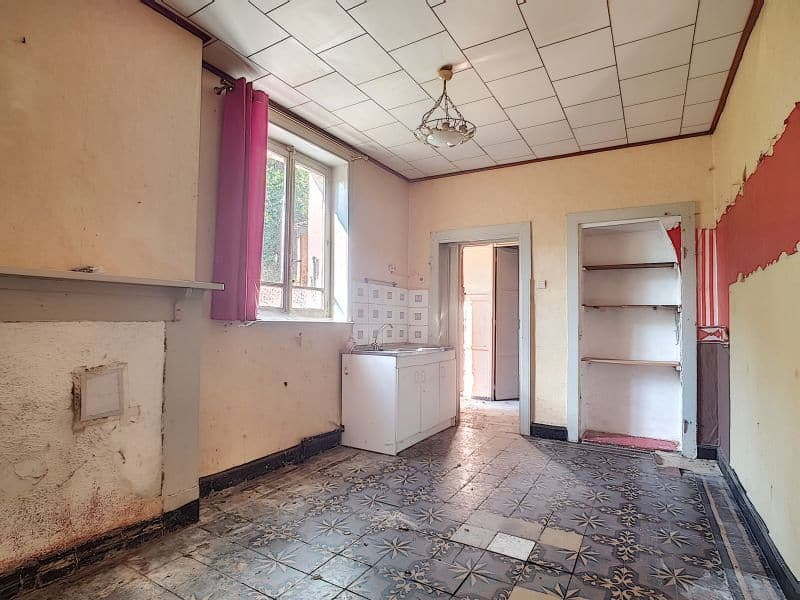 House for sale in Givry