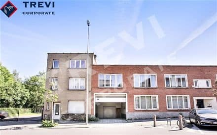 Industrial building<span>1900</span>m² for rent