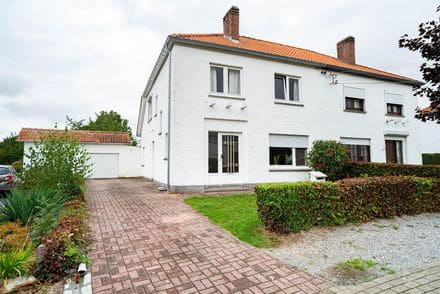 House<span>180</span>m² for rent Waremme