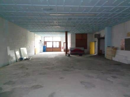 Office or business<span>300</span>m² for rent Forchies La Marche