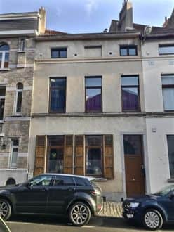Investment property<span>310</span>m² for rent Brussels