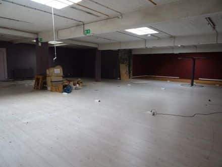 Business<span>510</span>m² for rent