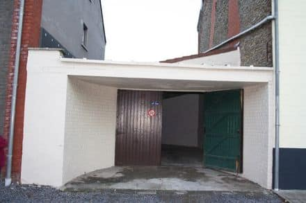 Parking space or garage<span>37</span>m² for rent