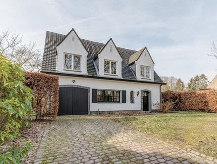 Villa<span>375</span>m² for rent Brasschaat