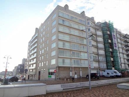 Office or business<span>208</span>m² for rent