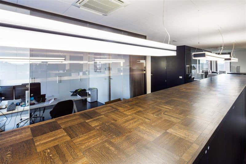 Office for rent in Zele