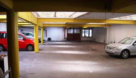 Warehouse<span>1300</span>m² for rent