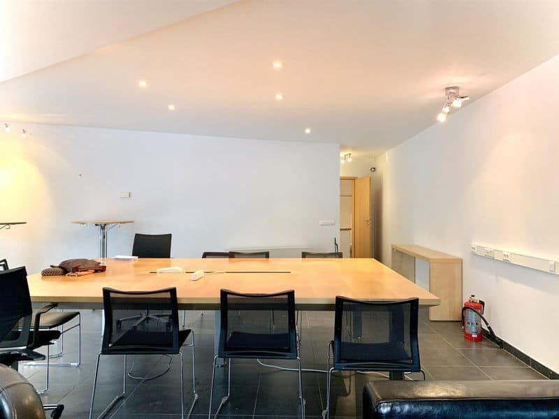 Office or business for rent in Auderghem