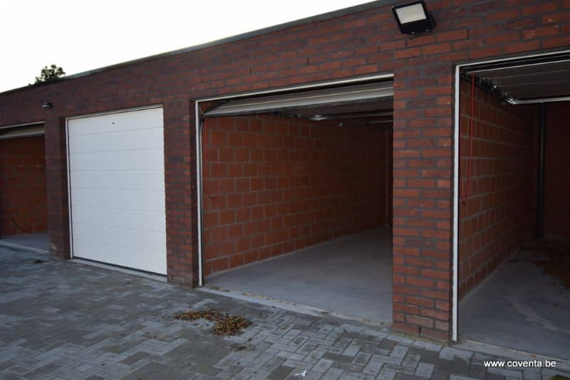 Parking space or garage for rent in Roeselare