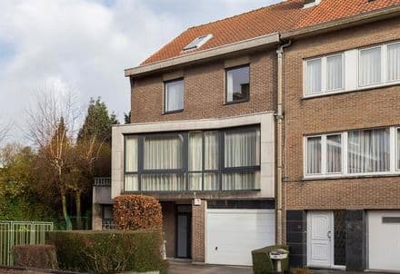 House<span>340</span>m² for rent