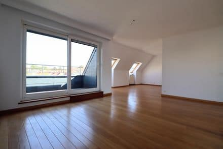 Penthouse<span>137</span>m² for rent