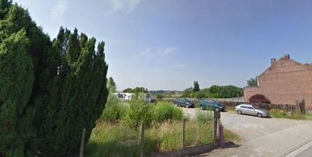 Land<span>250</span>m² for rent