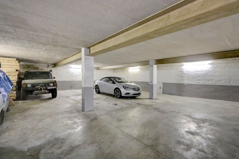 Parking space for sale in Berchem