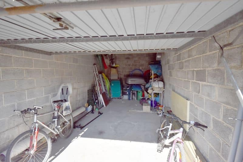Parking space or garage for sale in Dour