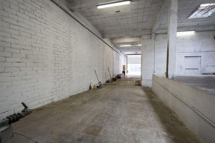 Warehouse<span>384</span>m² for rent