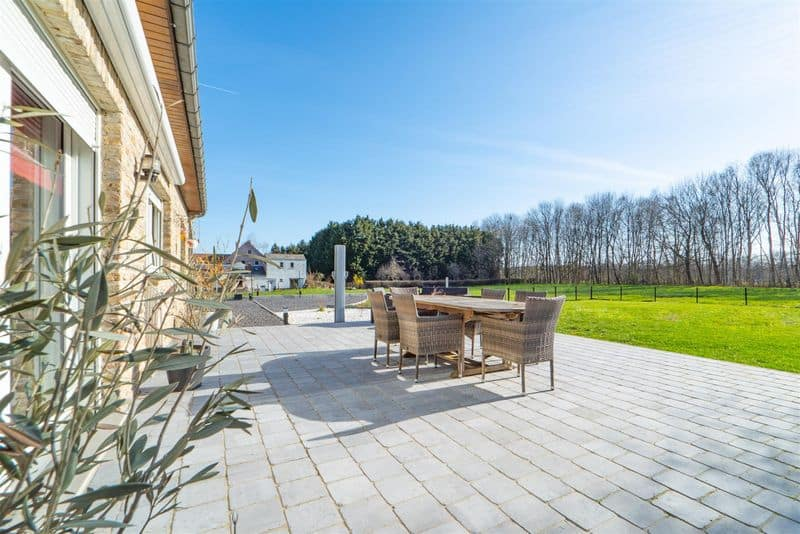 Villa for sale in Seneffe