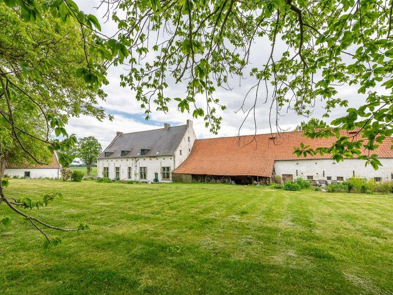 Farmhouse for rent in Plancenoit