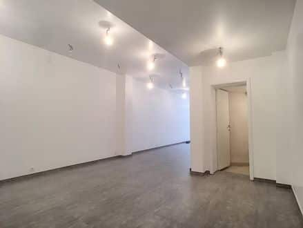 Office<span>75</span>m² for rent