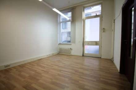Office<span>76</span>m² for rent