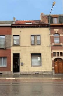 House<span>170</span>m² for rent Trazegnies
