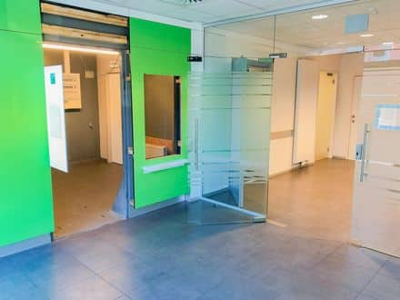 Office or business<span>154</span>m² for rent Court Saint Etienne