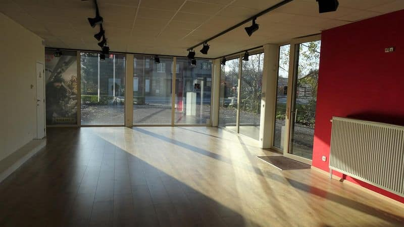 Office or business for rent in Ninove