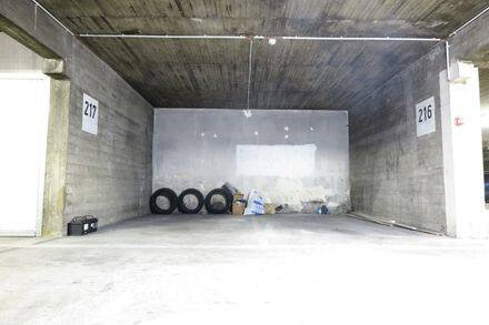 Parking space or garage for rent Sint Joost Ten Node