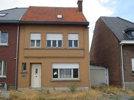 House<span>111</span>m² for rent