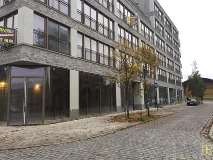 Office or business<span>114</span>m² for rent