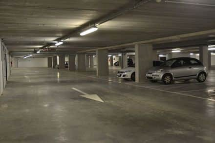 Parking space or garage for rent Roeselare