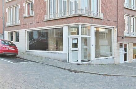 Business<span>77</span>m² for rent