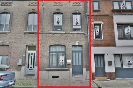 House<span>255</span>m² for rent