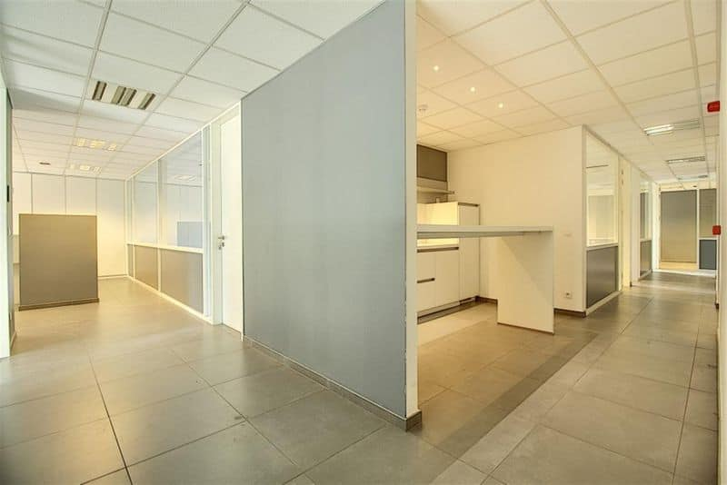 Office or business for rent in Mouscron
