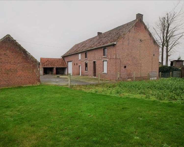 Farmhouse for sale in Herne