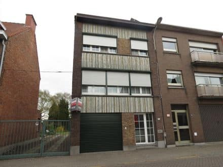 House<span>198</span>m² for rent